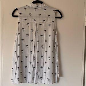 Palm tree button down sleeveless shirt